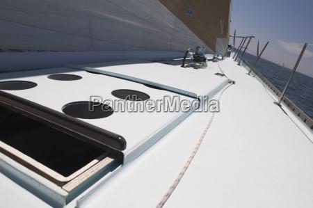 open hatch auf yacht