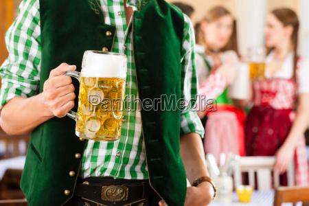 jugendliche, im, traditionellen, bayerischen, tracht, im - 21475841