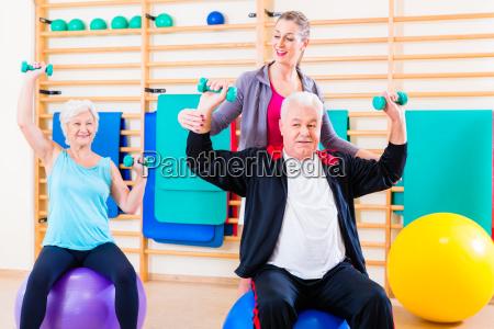 physiotherapeut trainer senioren