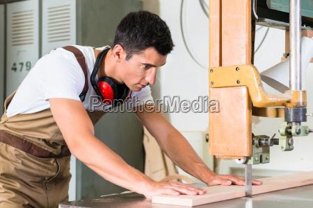 carpenter cutting board with jig saw