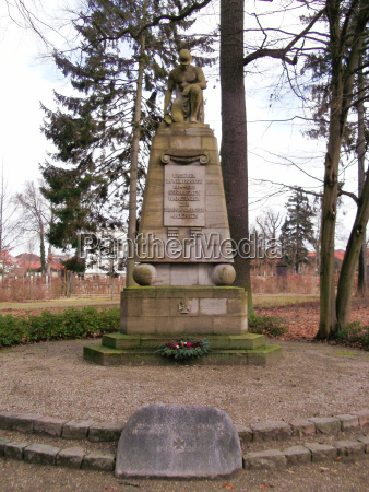 kriegsdenkmal zum andenken der gefallenen kameraden