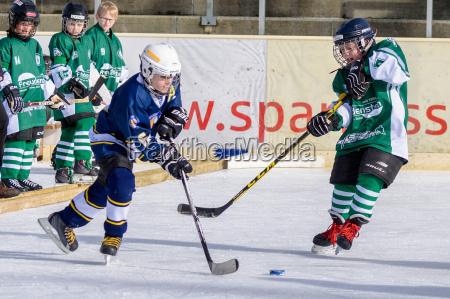 deutsche kinder spielen eishockey