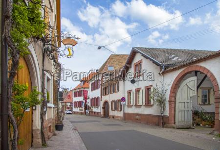 theresienstrasse in rhodt landkreis suedliche weinstrasse