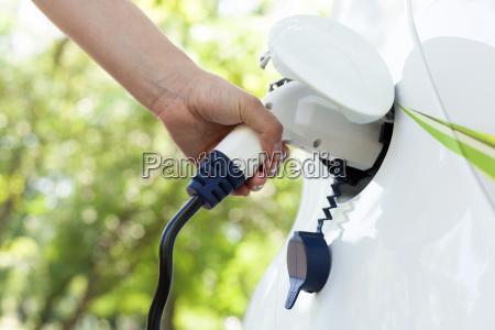 hand die ein elektrisches plug in