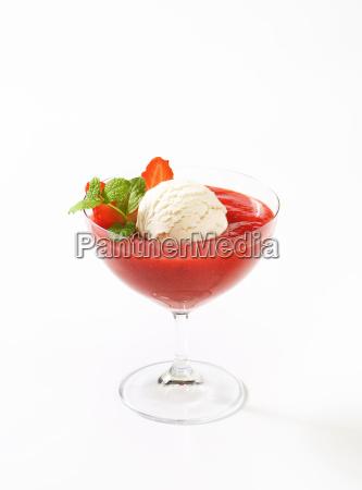 ice cream with strawberry puree
