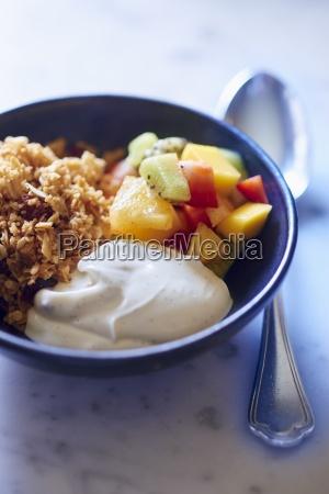 muesli with vanilla yoghurt and fresh