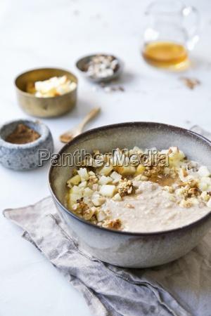 porridge with apple and honey