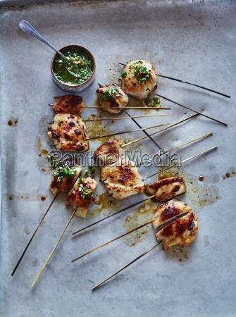 barbeque huhn und salsa