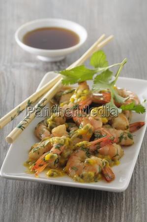garnelen ceviche mit passionsfruchtsauce