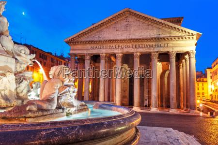 das pantheon in der nacht rom
