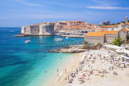 banje beach old port and dubrovnik