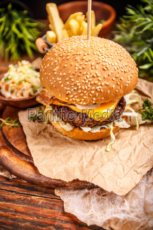 cheese burger with grilled patty