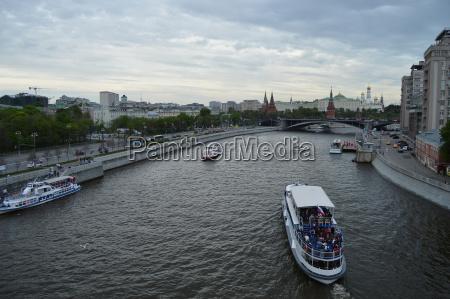 russland moskau 20170520 schiff boot auf