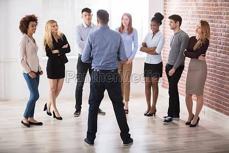 manager der mit seinen business kollekten
