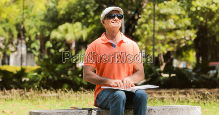 behinderte menschen mit behinderung blind man