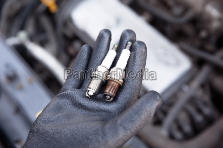 spark plug old and new