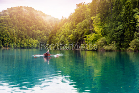 ride in a rowboat in plitvice