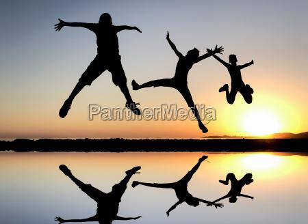 springen huepfen und energetische bewegungen