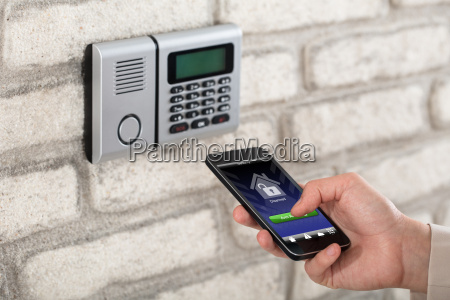 hand disarming security system of door
