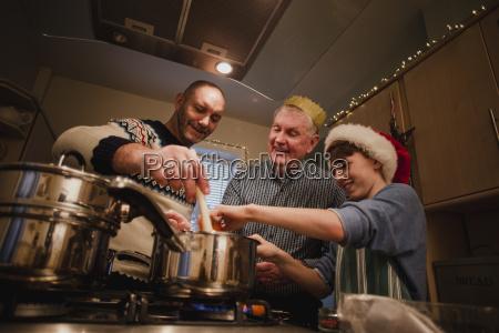 making christmas dinner
