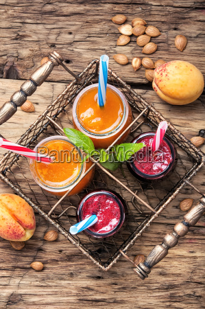 smoothies with apricot and currant
