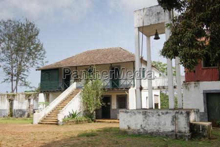 altes farmhaus auf principe island sao