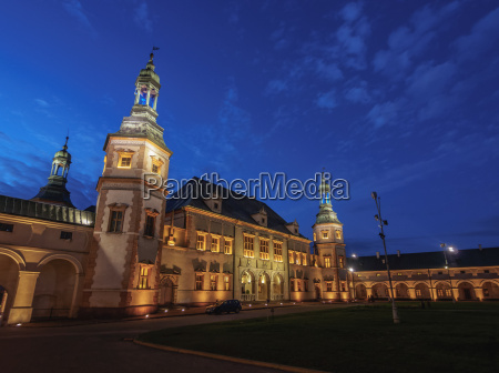 palace of the krakow bishops at