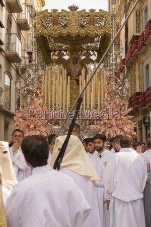 einheimischedie an der auferstehungs parade am