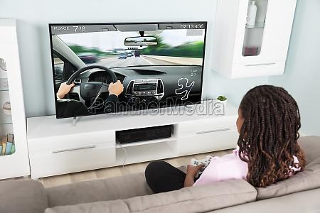 maedchen spielen video racing car spiel