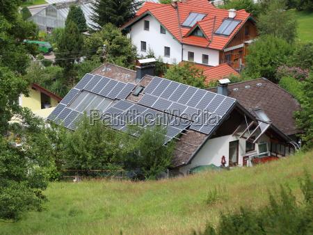 sun solar auf gebaeude dach in