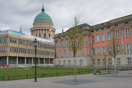 ensemble von historischen bauwerken potsdam deutschland