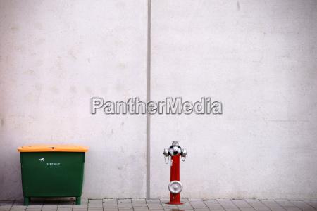 streugutbehaelter und feuerhydrant