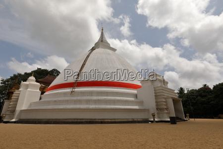 der kelaniya raja maha vihara tempel