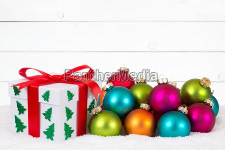 weihnachten weihnachtsgeschenke geschenke holz hintergrund weihnachtskarte