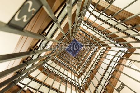 treppe treppen bewegung regung positionsaenderung translokation