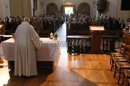 catholic mass saint nicolas de veroce