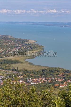 landschaft vom plattensee in ungarn