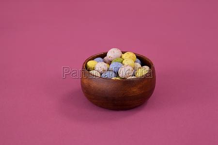 bunte, schokolade, ostereier, in, schüssel - 23036345