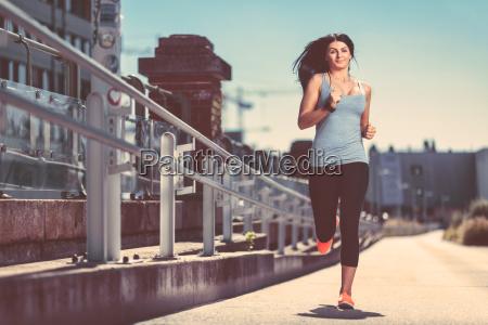 stadt laufen laufen frauen training fitness