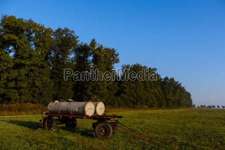 water wagons to supply the herdof
