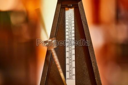 altes klassisches metronom