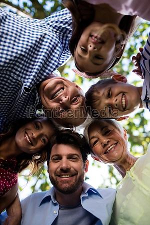 multi generationsfamilie die ein wirrwarr im