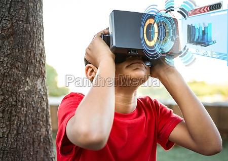 junge der vr kopfhoerer der virtuellen