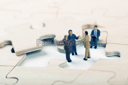 find a new business market niche