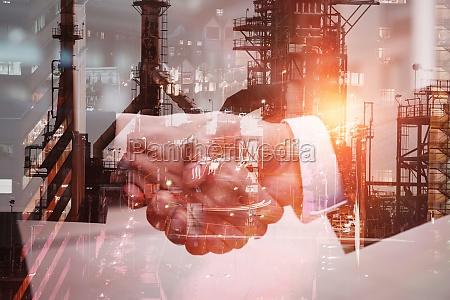 zusammengesetztes bild des bildes der fabrik
