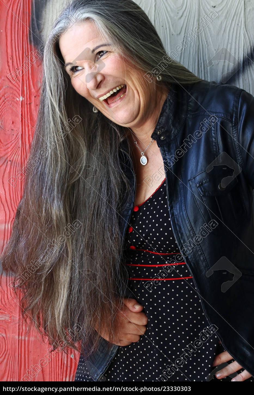 Haaren frauen mit langen grauen ältere Models
