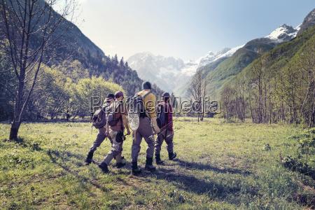 slowenien bovec vier angler die auf