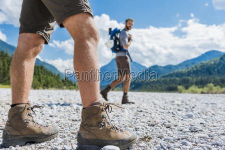 deutschland bayern beine von wanderer wandern