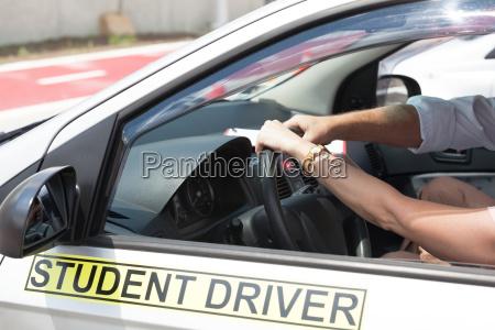 fahrschule lernen ein auto zu fahren