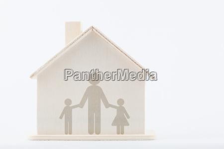 familienvielfalt alleinerziehender vater mit kindern zu